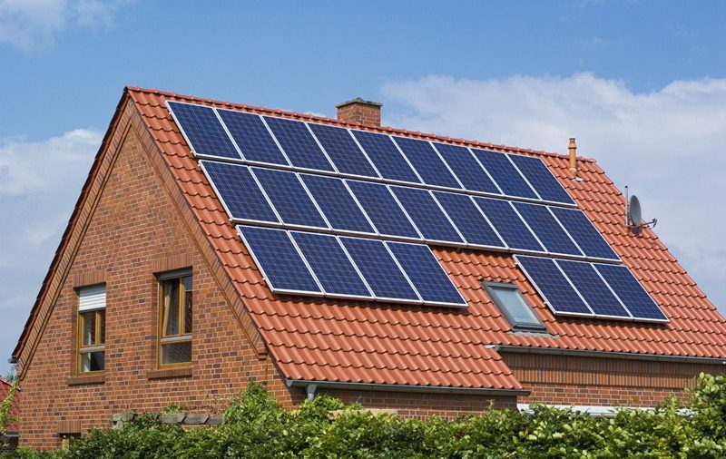 Gedeeltelijke aftrek voorbelasting woning door plaatsing zonnepanelen op dak
